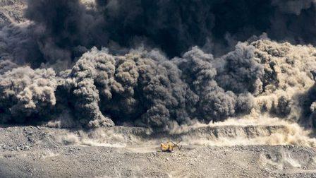 На правом берегу Красноярска прогремят взрывы во вторник