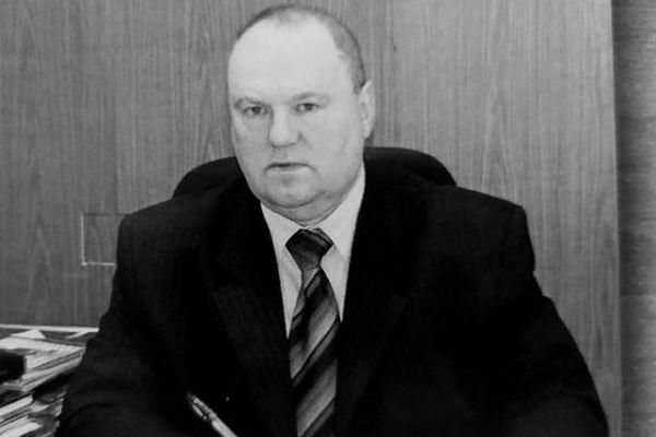 В Азове простились с Евгением Лесняком. Его не стало на 74-м году жизни