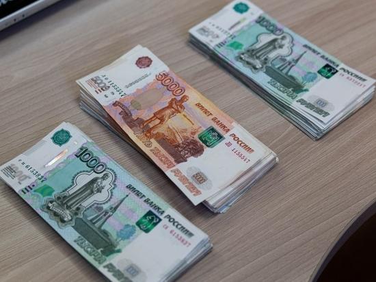 Водитель такси спас пенсионера от мошенников в Красноярске