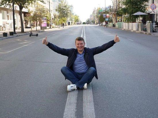 Мэр Красноярска следит за своими подчиненными и заставляет их ходить пешком