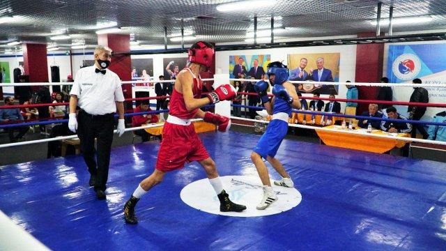 Чемпионат столицы по боксу проходит в Нур-Султане