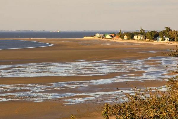 В «Азовводоканале» отметили что водоснабжению города из- за сильного восточного ветра пока ничего не угрожает
