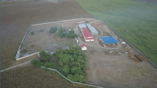 Жители двух сел в Азовском районе жалуются на неприятный запах от производства мясокостной муки